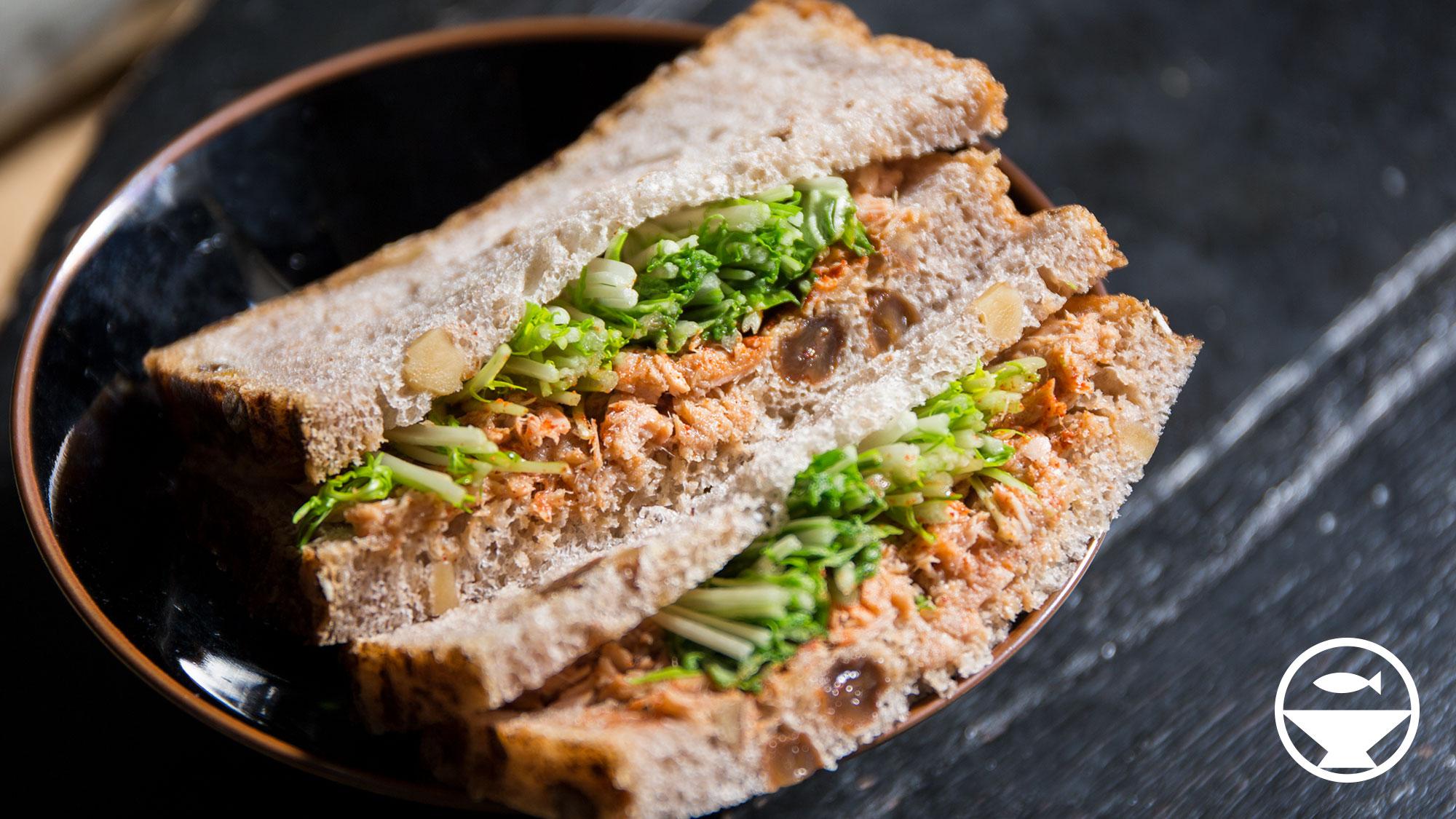 シーチキンと水菜のサンドイッチ